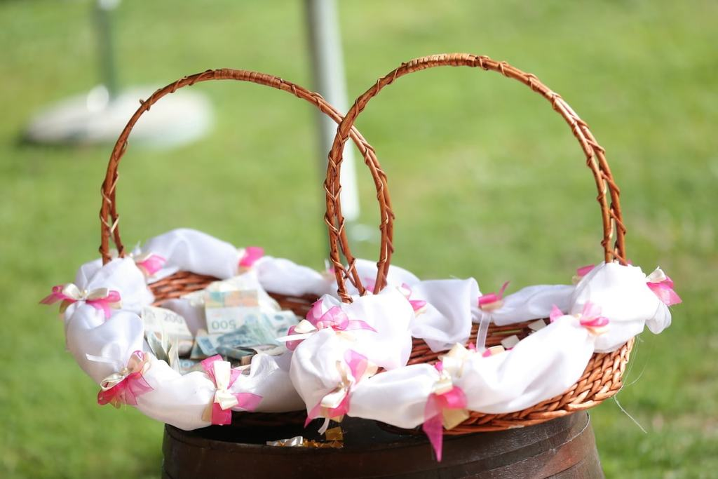 how to ask for cash for wedding gift